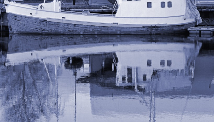 339 boat reflected