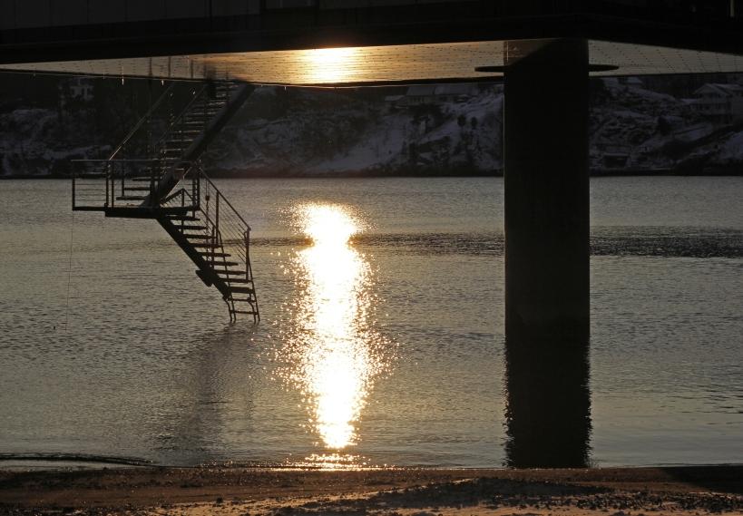 345 winter sun reflected