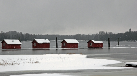 361 resting barracks in the snow