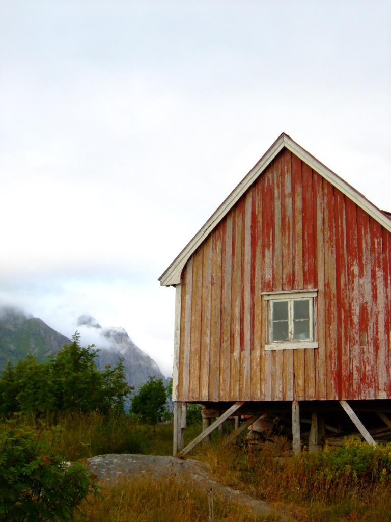 old house Henningsvær