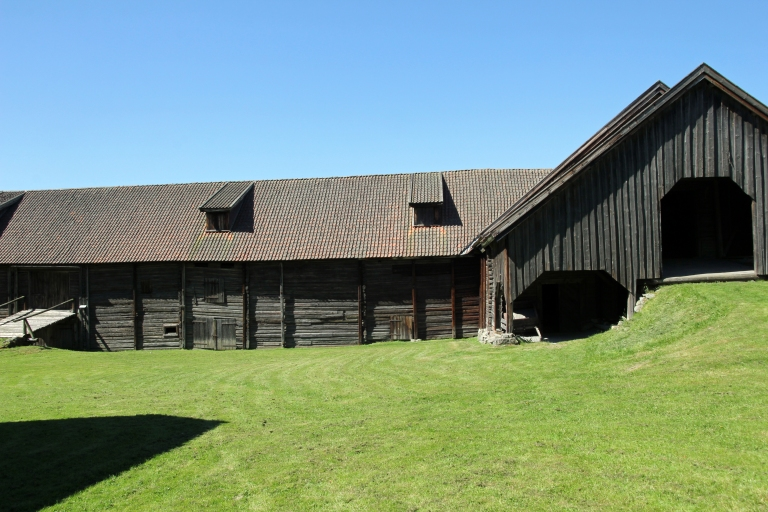 the barn from the front