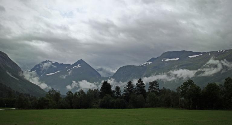 lighter fog Eresfjord