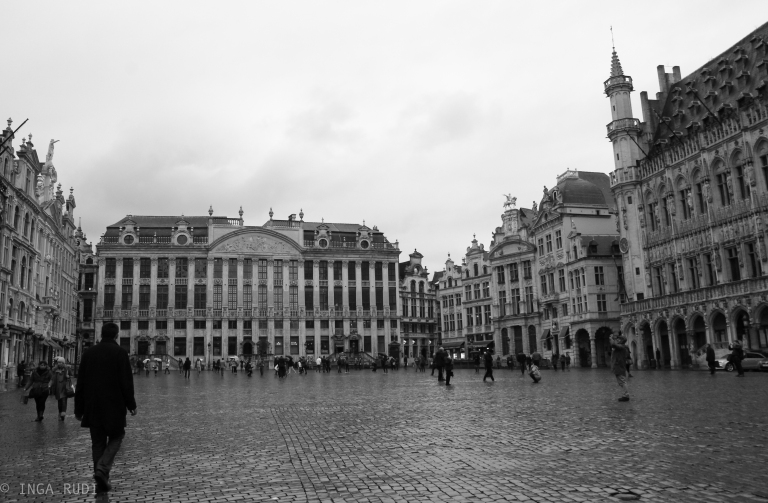 grand place bw 1