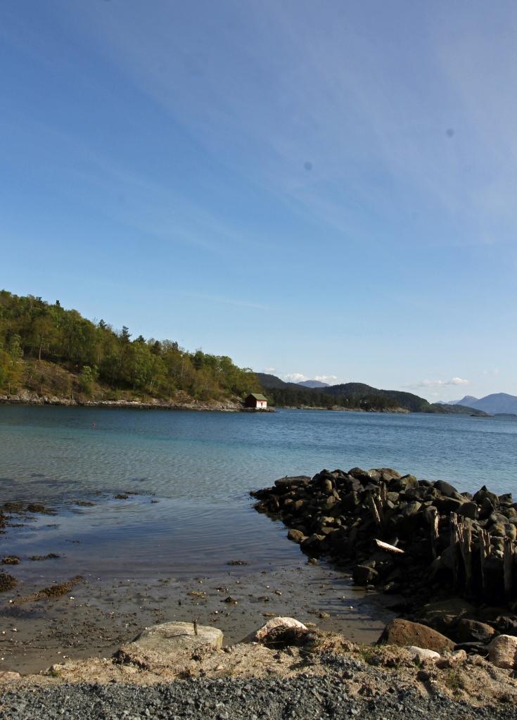 halsnøy view towards boathouse