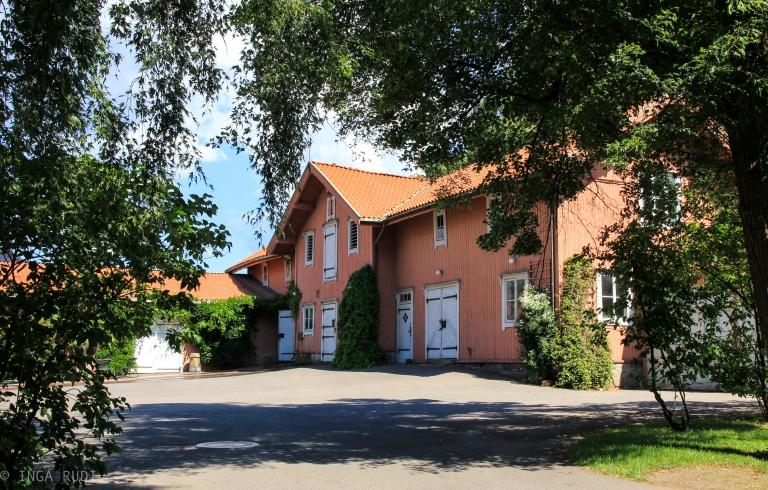 tøyen manor house old farm building
