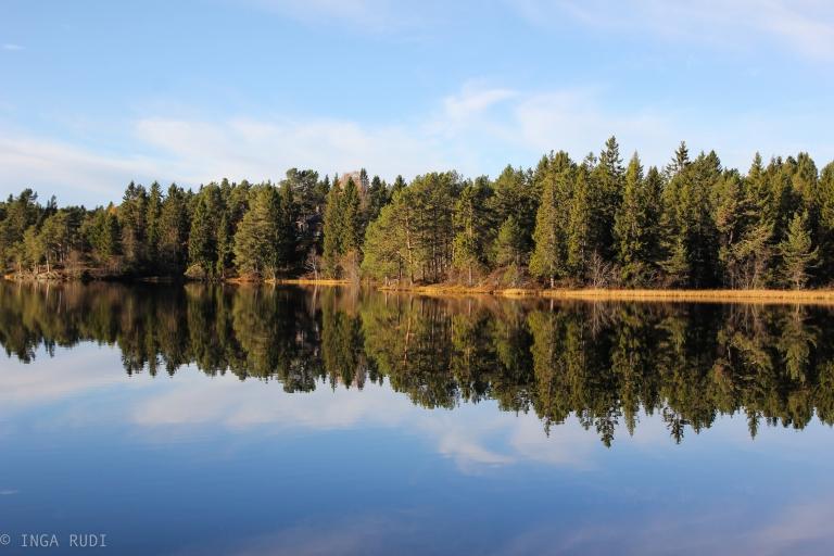 Autumn reflections at Kyvannet