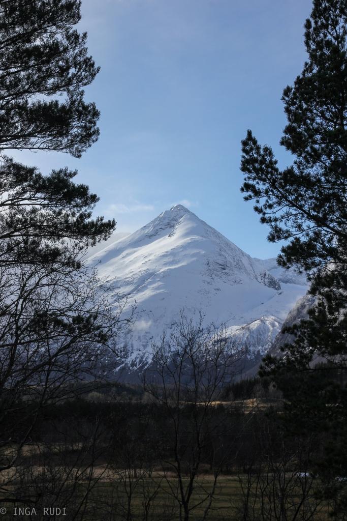 eresfjord mountains easter 2b