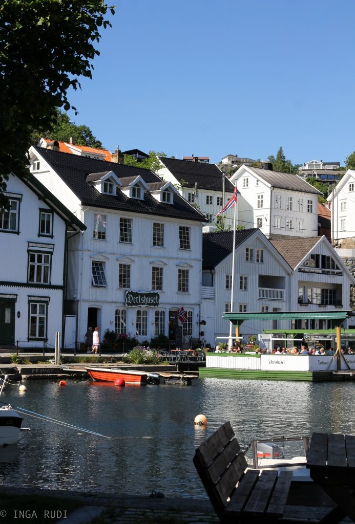 tvedestrand down by the sea