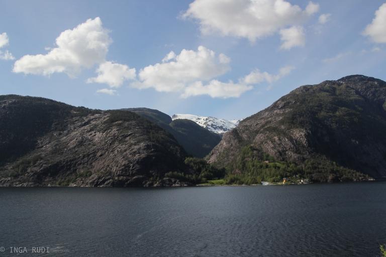 view from Langfossen2